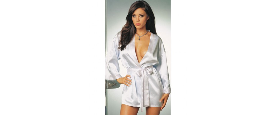 Sleepwear, gowns & robes